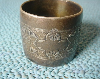 Shabby Edwardian Silver Plate Napkin Ring