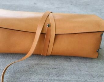 Tan Leather Makeup Bag/ Makeup Holder/ Makeup Kit/ Minimalist Makeup Case/ Women's Leather Makeup Case