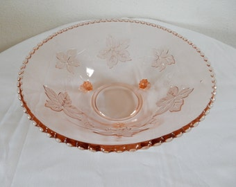 Pink dish with leaf motif