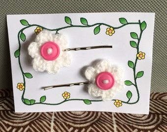 Crochet hair slides - white with pink button