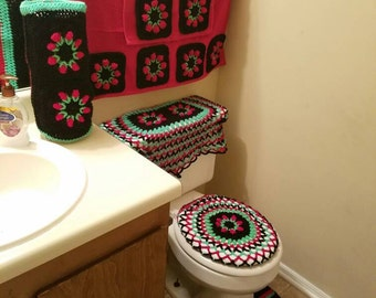 10 - piece Crochet Bathroom set, makes agreat wedding gift or a house warming gift
