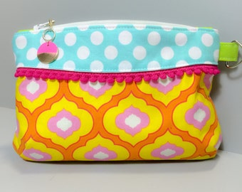Moroccan Styel Clutch, Zipper Pouch, Makeup Bag, Writstlet with Polka Dot Accent