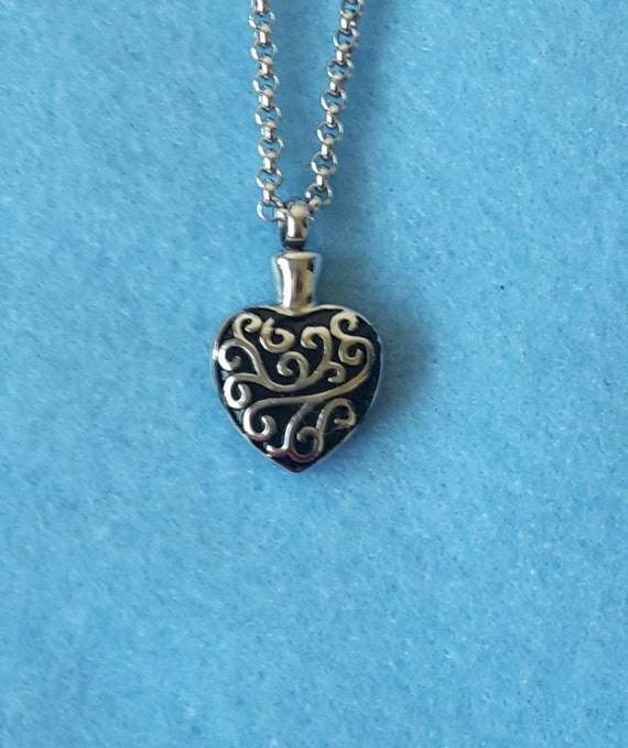 Heart Urn Necklace Cremation Jewelry Vial Urn Ashes Holder