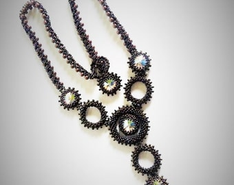 "beaded necklace ""Light of the Night"""