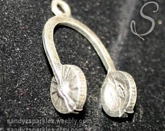 2 Charms - Headphone Pendant Charm, Music Charm,  Tibetan silver, 16 x 26 mm Head Phone Charms, SZS1051