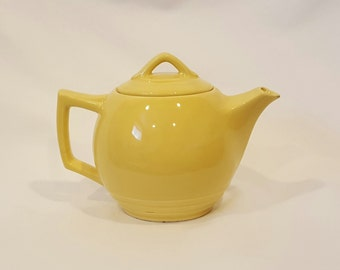 McCoy Pottery Vintage 1940s Yellow Teapot