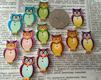12 Owl Buttons