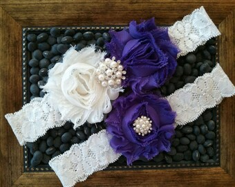 Wedding garter, Bridal Garter Set - IVORY LIGHT PURPLE Flower Off White Lace Wedding Garter Set