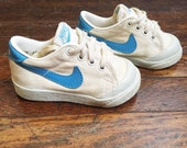 vintage nike sneakers little kids/toddler size 2.5