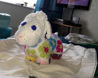 Crochet  african  flower  lamb