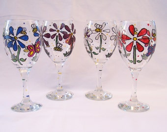 Flowers and Bees Wine Glass Set