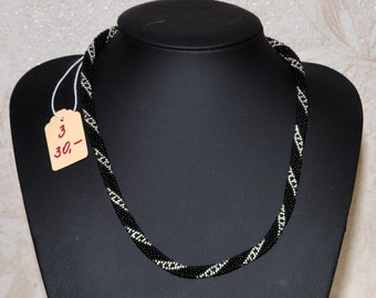 Necklace in black-silver