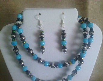 261 Flashy Long Blue Glass Beaded Necklace