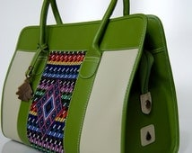 Handmade luxurious bag. Guatemalan bags. Augusto Castillo Bags.  Woman leather bag. Green leather bag. AC Mafer