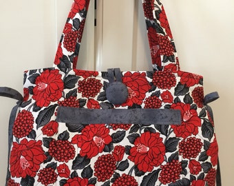 Purse-Quilted Red/Grey Flower