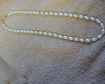 White Magnetic (Pearl look)  Necklace