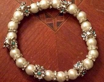 White Flower Pearl Bracelet