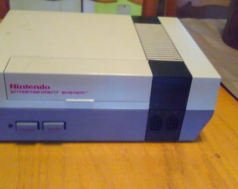 Nintendo entertainment system,cleaned ,nes,original 72 pin,very good condition