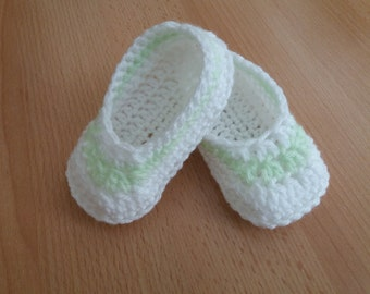 Crochet boots for baby