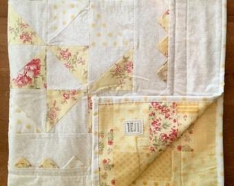 Yellow Pinwheel Baby Quilt