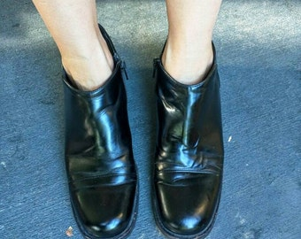 Minimalist 90's black boot Cole Haan women's 8 grunge man shoe ankle zip gloss shiny leather thick sole flat