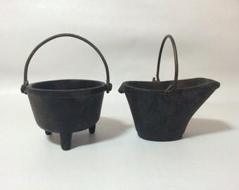 1900's Wilton cast iron miniature cauldron & ash buket, pair of 2