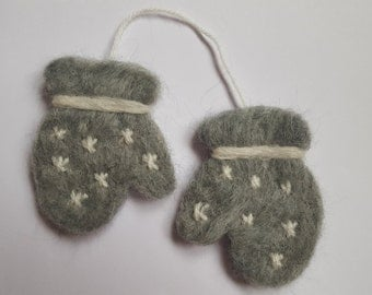 Needle Felted Mittens Christmas Decoration