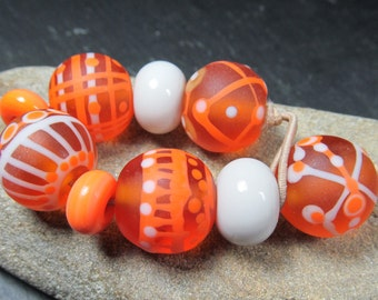 Topaz tumbled rounds lampwork beads with fine stringer patterns