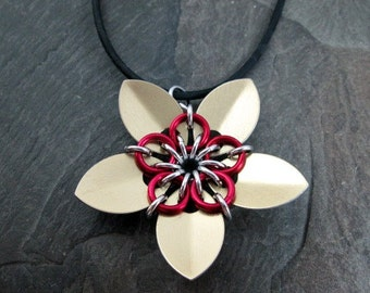 Chainmaille Flower Pendant - Golden Scales - Scale Flower - Scale Jewelry - Flower Pendant