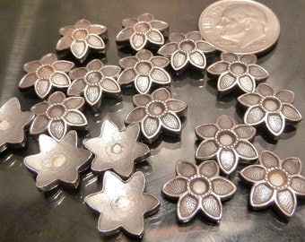 8 Sterling Silver Daisy Charms lot flower Lily jewelry castings usable scrap 10 grams CLOSEOUT