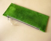 Long leather wallet - Leaf green suede
