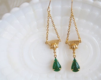 deep emerald and brass chandelier dangle earrings- gold plated