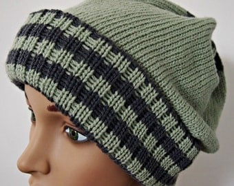 Beanie wool sage green and grey stripes