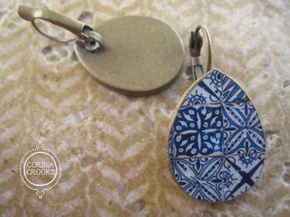 Portuguese jewelry tile mural pattern earrings by corinacrooks for Mural jewellery
