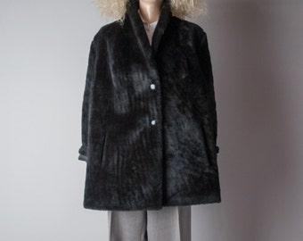 person of interest black faux fur coat / oversized 60s coat / vintage MOD coat / s / m / 894o