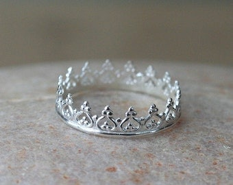 Crown Ring in Sterling Silver, Princess Ring, Size 1 to 15, Gift for Her, Womens Ring, Gallery Wire Ring, Solitaire Ring, Gallery Wire Ring