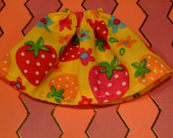 Blythe / DAL Skirt - Summer Strawberries