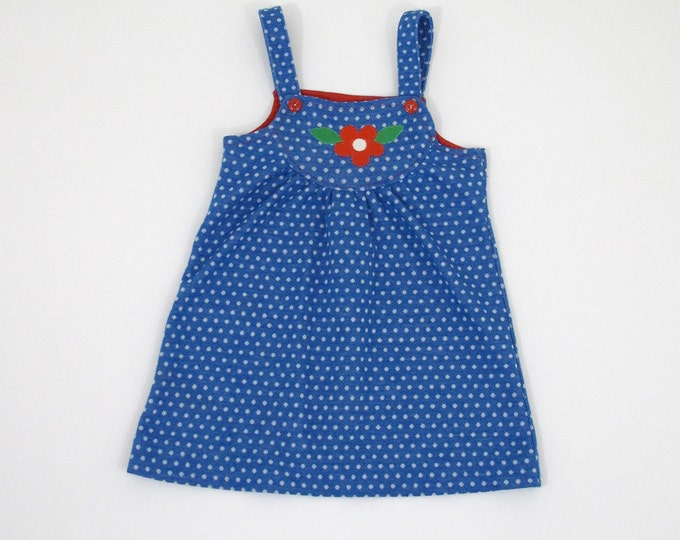 Vintage Girls' Tunic Carter's Blue Polka Dot Girls' Smock with Red Daisy Applique - 70's Girls' Clothing - Size 6 Girls' Polyester Tunic Top