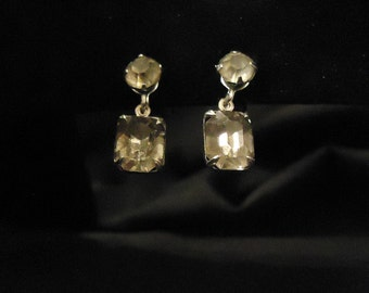 Screw Back Earrings Clear Glass Crystals Rhinestones Small Dangles Silver Metal Rectangular Circular Shaped 1960's Vintage Costume Jewelry