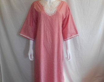 SALE 70's 80's    Red white stripped maxi dress night gown