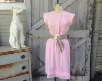 On sale 1970s dress pink dress cotton dress 70s dress size medium Vintage dress embroidered dress 50s style dress