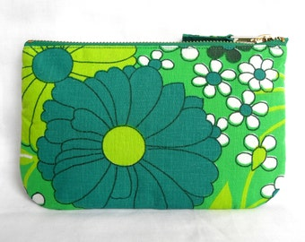 1970's Retro Vintage Make Up Bag, Zip Purse, Pouch - Apple Green Floral Print. Ipod & Earphones Case (b)