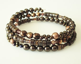 brown bead, bronzite and tagnipis shell memory wire bracelet - one size fits most adults - brown shades - wrap bracelet