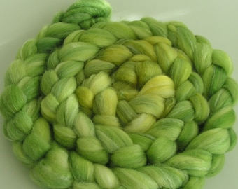 Rove Roving Top Fiber Merino SILK Bamboo Wool MEDUSA 50 25 25 PhatFiber November Spin Felt Nuno Craft Feature Green Blend Soft Lux 4 ounces