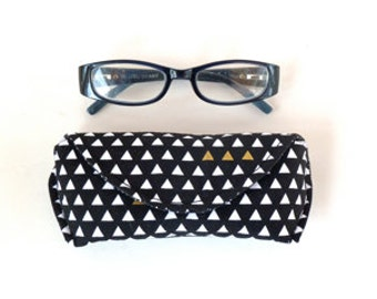 Glasses Case - Sunglass Case - Eyeglass Case - Magnetic Closure - Black and White - Triangle