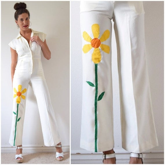 Vintage 70s Good Things Growing White Jumpsuit with Daisy Applique (size xs, small)