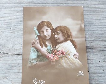 Vintage Antique old French 1900 postcard /   girls /gage d'affection