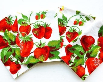 Berry Cute...Vintage Wilendur Strawberry Cloth Napkin Set of 4
