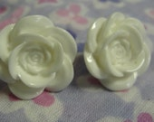 White Acrylic Flower Pierced Earrings