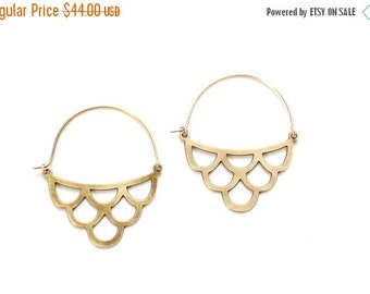 FALL SALE 30% OFF Midcentury Scalloped Waves Earrings  - Gold or Silver